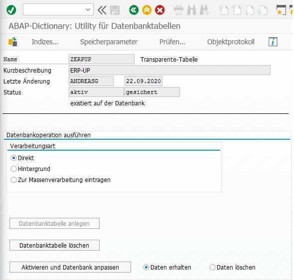 """Für die Umsetzung verwendet man die Datenbank-Utility in der Transaktion SE14. Nach dem Aufruf gibt man die Tabelle ein, wählt den Radio-Button """"Tabellen"""" aus und klick auf """"Bearbeiten"""". Anschließend wählt man die Option """"Daten erhalten"""" aus und klickt auf """"Aktivieren und Datenbank anpassen""""."""