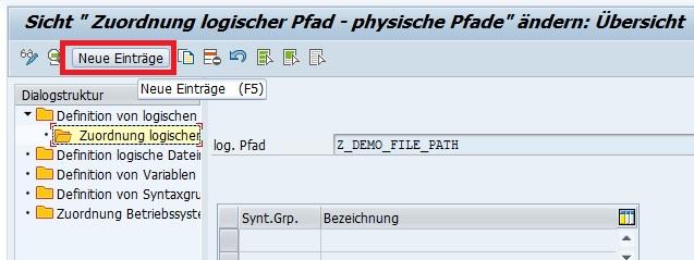 """Um einen logischen Dateipfad einem physischen Pfad in SAP ERP zuzuordnen, wählt man als Erstes den logischen Dateipfad in der Übersicht der logischen Dateipfade bzw. in """"Definition von logischen Dateipfaden"""" aus und klickt anschließend doppelt auf """"Zuordnung logischer Pfad- physische Pfade"""" in der Dialogstruktur links. Anschließend klickt man auf """"Neue Einträge"""", um die Zuordnung einzutragen."""