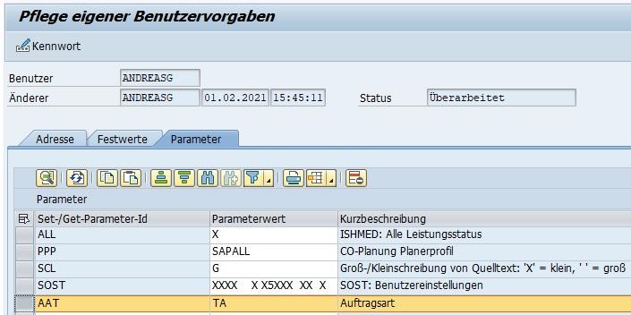 """Anschließend setzt man diesen Parameter in den Benutzervorgaben. Entweder ruft man die Transaktion SU3 auf oder wählt """"System > Benutzervorgaben > Eigene Daten"""". In dem Tabreiter """"Parameter"""" kann man nun die Parameter-ID mit dem gewünschten Wert eintragen. Man kann sich hier einmal mit der F4-Hilfe weitere Parameter im System ansehen. Aber die einfachste Möglichkeit ist die Suche der Parameter-ID direkt in den technischen Informationen des Feldes in der Transaktion."""